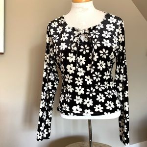 90s flower power long sleeve keyhole chest Vintage